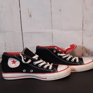 Converse Chuck Taylor midtops black red unisex